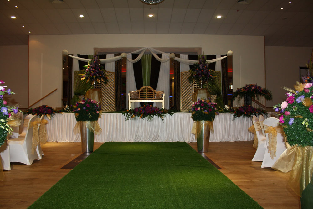 Wedding stage decor the platinum suite leicester event and wedding stage decor leicester 7 junglespirit Gallery